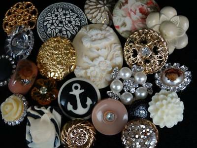 FABULOUS LARGE LOT ANTIQUE VINTAGE & NEW BUTTONS Cameo Metal Rhinestone Glass +