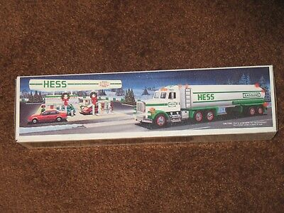 Vintage 1990 Hess Toy Tanker Truck With New Duracell Quantum Batteries- NIB