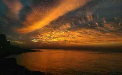 Digital Photo Picture Image Wallpaper Screensaver Desktop - Sunset and clouds