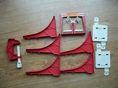Matchbox Superfast track - loop sections and finish gate