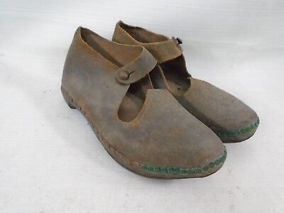 Antique Cobbler Hand Made Girls Wood Leather Shoes Metal Horse Shoes on Bottom