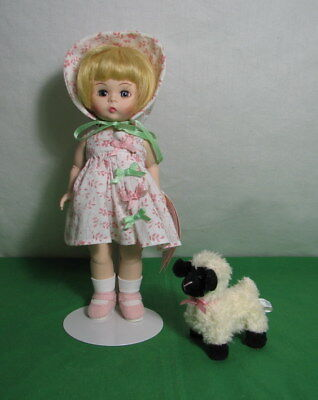 "MADAME ALEXANDER ""MARY HAD A LITTLE LAMB"" DOLL 8"" TALL 48090 w BOX & DOLL STAND"
