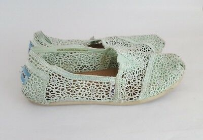 b5ebdb54162a TOMS CLASSIC CREAM Ivory Lace Slip On Loafers Size Women s Size 8.5 ...