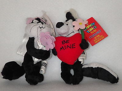 Pepe Le Pew Penelope wedding couple mini bean bag set Warner new with tags rare