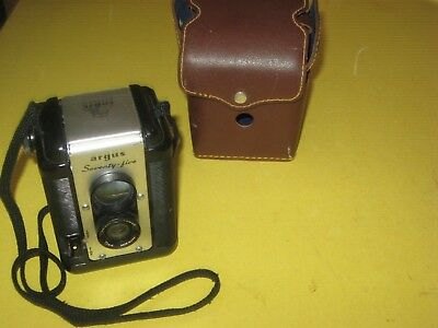 ARGUS  Seventy-five vintage Camera w/ original case