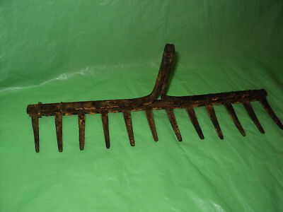Vintage Metal  Primitive Farm Rake Head
