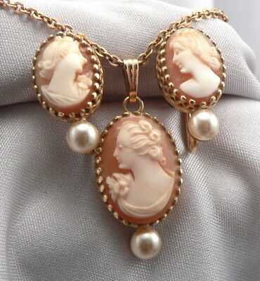 Vintage SIMMONS Hand Carved Shell CAMEO NECKLACE & Screwback EARRINGS SET in BOX