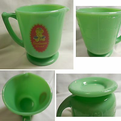 Sunbeam Bread Girl Licensed Product Jadeite Green Glass 4 Cup Measuring Cup