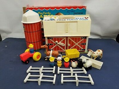 Vintage 1967 1968 Fisher Price Play Family Little People 915 Farm Barn & Silo