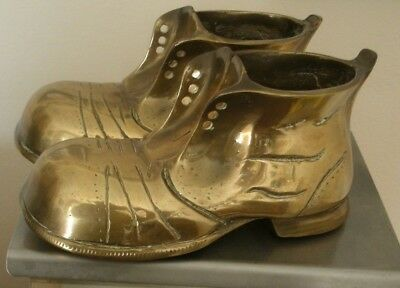 PAIR OF VINTAGE SOLID VERY HEAVY BRASS BOOTS ( Fireplace /Plant Holder ?)