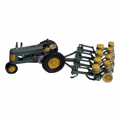 Woodland Scenics / SCENIC DETAILS HO Scale - #208 SEEDER AND TRACTOR D208