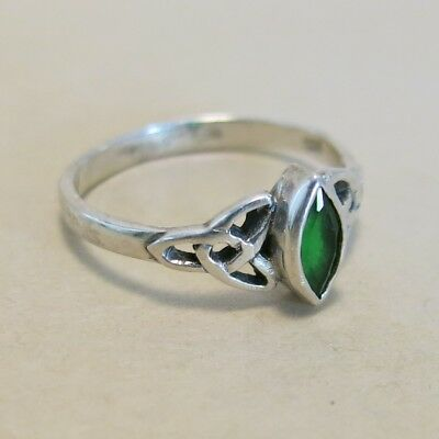 Sterling Silver Green Stone Ring with Celtic Weave Size 8.5 2.2g [4171]