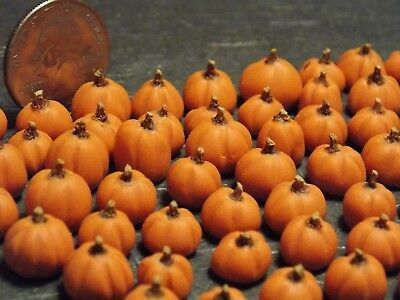 Dollhouse Miniature Fall Pumpkins Halloween!  Lot of 10 1:24  1/2 inch scale J81