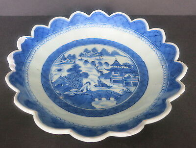 Antique Chinese Canton Export Blue & White Bowl W/ Scalloped Edge