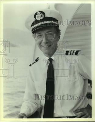 """Press Photo Actor Bernie Kopell in """"The Love Boat"""" on Television - sap25480"""