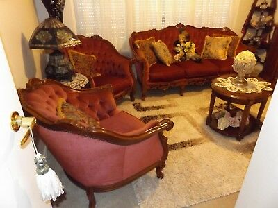 Vintage 1970s Italian Queen Anne Polished Timber Pink Velour Lounge Suite