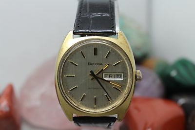 Vintage Bulova Automatic Gold Tone Day/Date J144569 Men's Wrist Watch Running