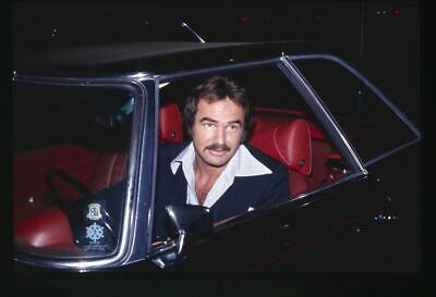 Burt Reynolds Candid Vintage  press photo Original 35mm Transparency in his car