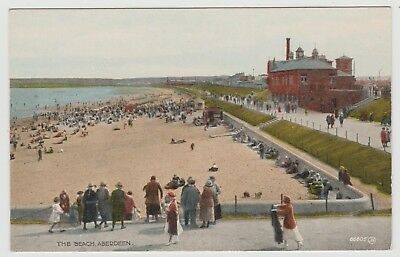 Flappers & Others at the Beach, Aberdeen in 1922 View on Unused PPC, Publ.1925