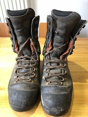 Husqvarna Technical chainsaw boots, size uk 8 EU 42