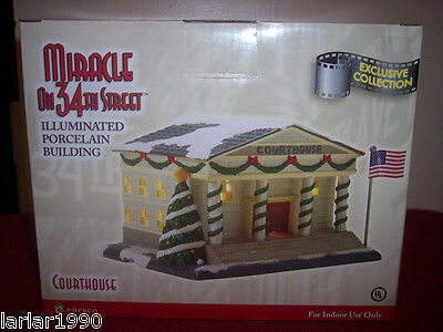 """Enesco Miracle On 34Th Street """"Court House"""" Lighted Building~New In Box"""