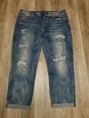 9bf5a8e0c50 american eagle ripped and distressed medium wash tomgirl jeans size 14 NWOT