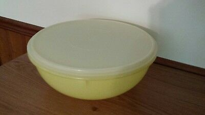 Vintage XL Tupperware Fix n Mix Yellow Bowl with Lid