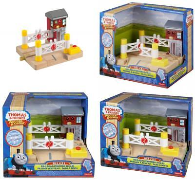 Fisher-Price Thomas & Friends Wooden Railway Deluxe Railroad Crossing