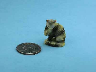 Adorable 1:12 Scale Dollhouse Miniature Tiger Cat Licking it's Paw #S5555D