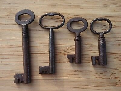 Vintage/Antique Job Lot of 4 Metal Keys