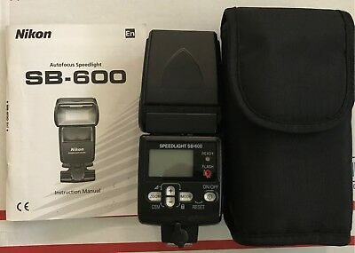 Used Nikon Speedlight SB-600 flash - With a carry bag and manual