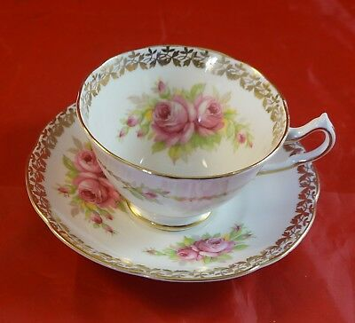 Collingwood Fine Bone China Cuo & Saucer Red Roses