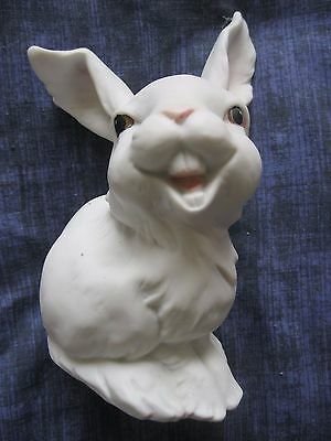 VINTAGE GERMAN KAISER LAUGHING HARE WHITE BISQUE PORCELAIN FIGURINE  554 Signed.
