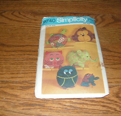 Vintage Stuffed Animal Pillows Pattern Simplicity 9740 Pillow Toys 1971 PJ Bags