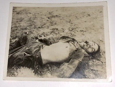 Original WWII Photo JAPANESE SOLDIER KIA Shot in Face During Battle NO SURRENDER