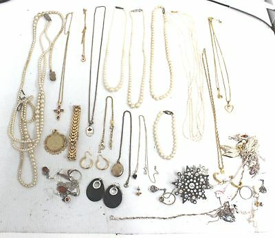 Small Bulk of 0.3kg  MIXED COSTUME JEWELLERY Necklaces, Bracelets, Craft - R05