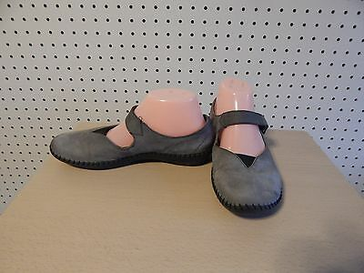 Womens Born shoes -  gray - size 7.5 / 38.5 ~ M 21214