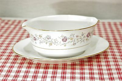 Noritake  LONGWOOD 2485 Double lipped Gravy Boat w/ attached under plate MINT!