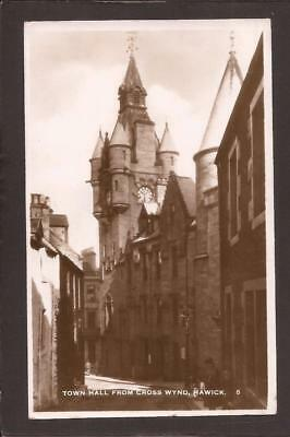 Hawick. Town Hall from Cross Wynd. RP.
