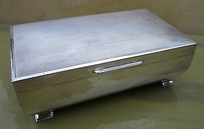 Good large sized Elizabeth II sterling silver jewellery box, 452 grams, 1977