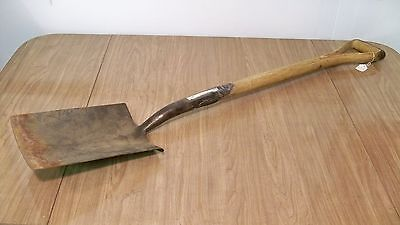 "Vintage KEEN KUTTER 2E Trenching Shovel 41 3/8"" Long Split Wood Handle"