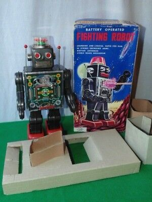 Vintage S.h Battery Operated Fighting Robot Tinplate Boxed Made In Japan