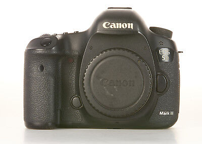Canon EOS 5D Mark III 22.3MP Digital SLR Camera, 114,617 Actuatuions