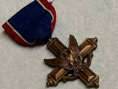 WWII numbered BB&B slotted brooch medal. #12147