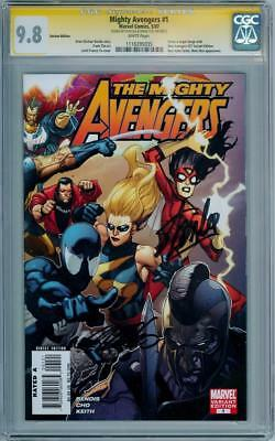 Mighty Avengers  #1 Retail Variant Cgc 9.8 Signature Series Stan Lee Cho Marvel