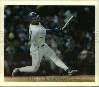 1993 Press Photo Brewer's Greg Vaugh swinging hard as he hits the ball.