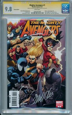 MIGHTY AVENGERS  #1 RETAIL VARIANT CGC 9.8 SIGNATURE SERIES SIGNED x2 BENDIS CHO