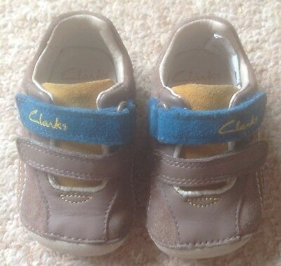 Boy's Clarks First Shoes / Trainers - Size 2.5G Infant (Brilliant Condition)