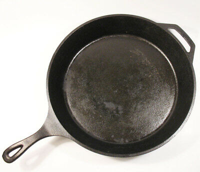 Lodge 15 inch Cast Iron Skillet 14SK Great Pre-Owned Condition
