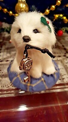 '17 Byers Choice Open House Precious Furry Dog on Pillow w/Key Exclusive Retired